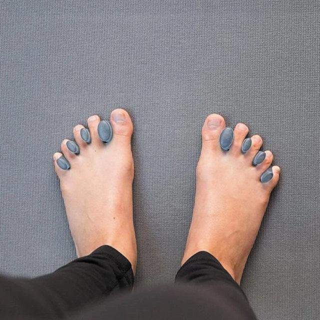 【ハーフムーン】足指スプレッダー/小